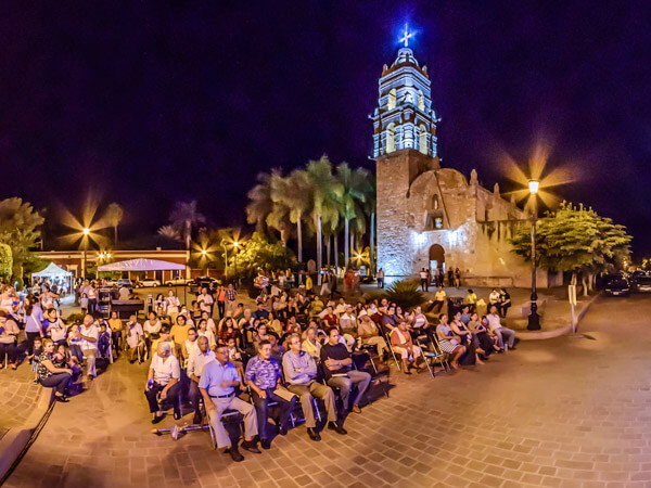Viernes de Plaza en Mocorito